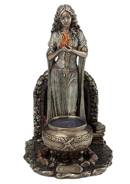 brigid-cauldron-flame-us-wu77090a4-a